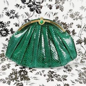 Vintage emerald green snakeskin clutch